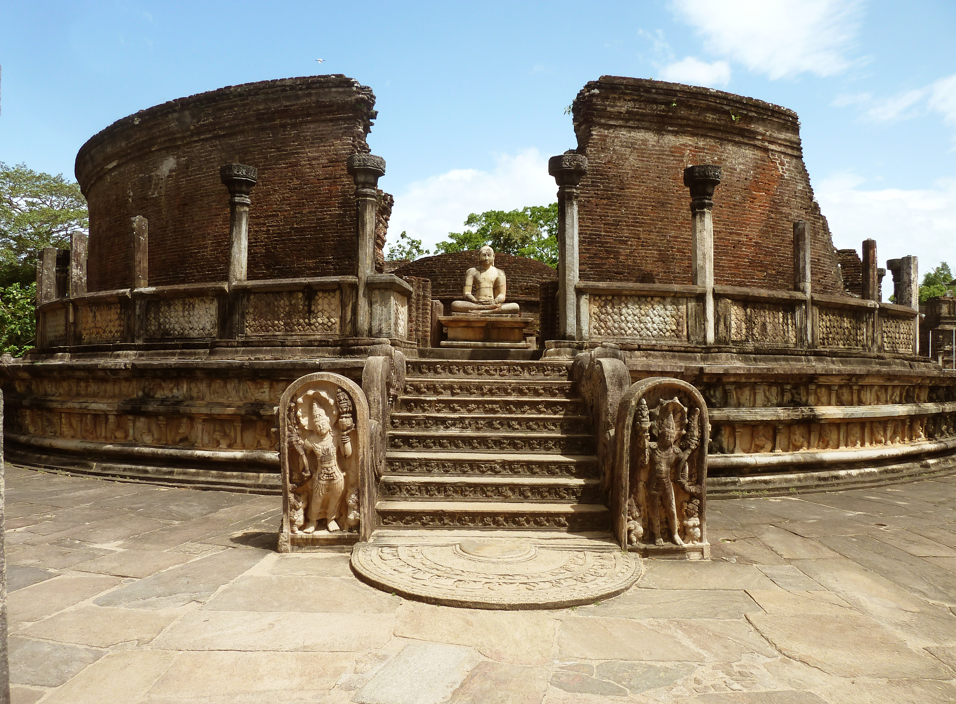 Polonnaruwa Sri Lanka  City pictures : Hatadage Monument, Quadrangle, Polonnaruwa, Sri Lanka