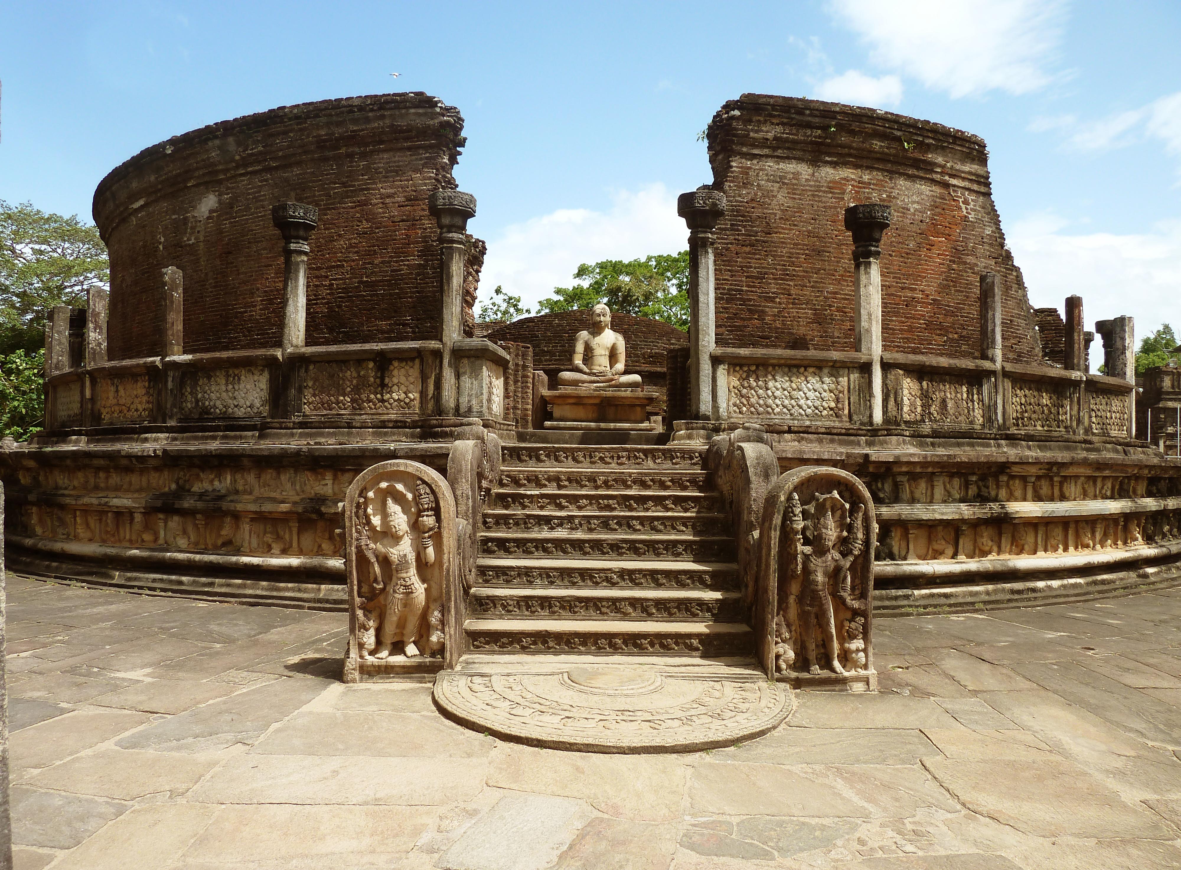 Polonnaruwa Sri Lanka  City pictures : Hatadage Monument, Quadrangle, Polonnaruwa, Sri Lanka