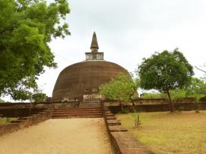 Rankot vihara buddhist stupa in Polonnaruwa Sri Lanka